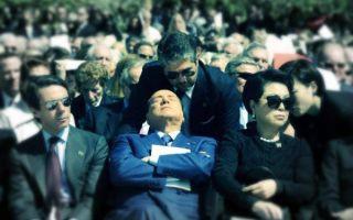 1159533_berlusconi-sonnellino-dorme-dallas-tuttacronaca_thumb