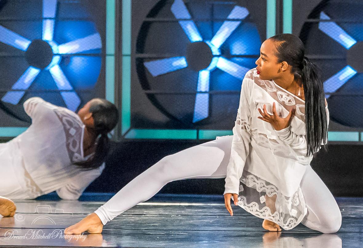 """For Nelsan"" (2018) Select Teen and Senior Company Choreography: Cindy Salgado"