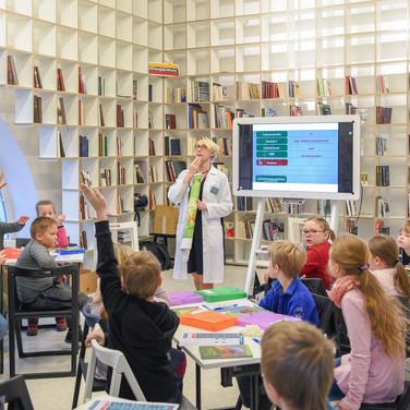 """Valstybės pažinimo centre surengtoje """"Knygų Kalėdų"""" edukacinėje pamokoje dalyvavo būrys mažųjų lankytojų"""