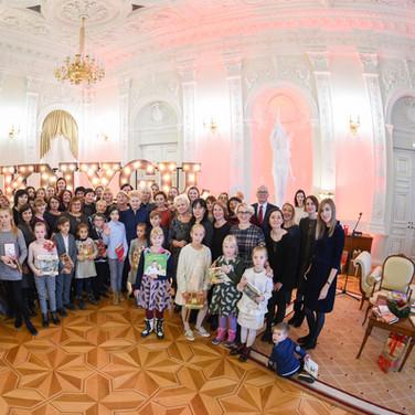 """LR Prezidento rūmuose paskelbta akcijos """"Knygų Kalėdos"""" pradžia"""