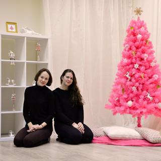 Šakių viešoji biblioteka Knygų Kalėdas'18 pasitiko rožinėmis nuotaikomis. Čia įkurta rožinė Kalėdų fotostudija