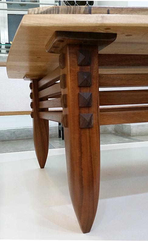 table (236) leg detail