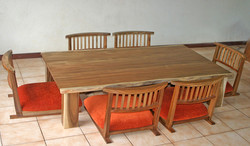 (148) Low Dining Table & Chair