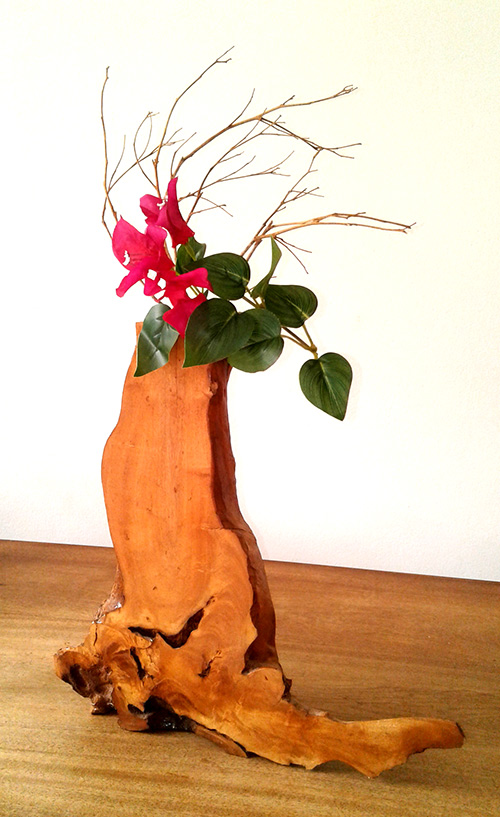 (d) Designed wooden flower vase
