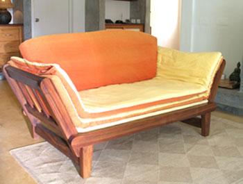 (204) SINGLE BED SOFA