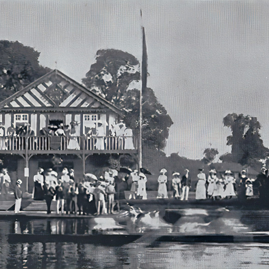 More crowds around the Boat Club in the early 1900s, probably watching the Stratford Regatta.