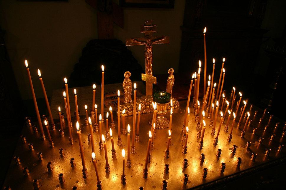 light-night-sparkler-darkness-church-can