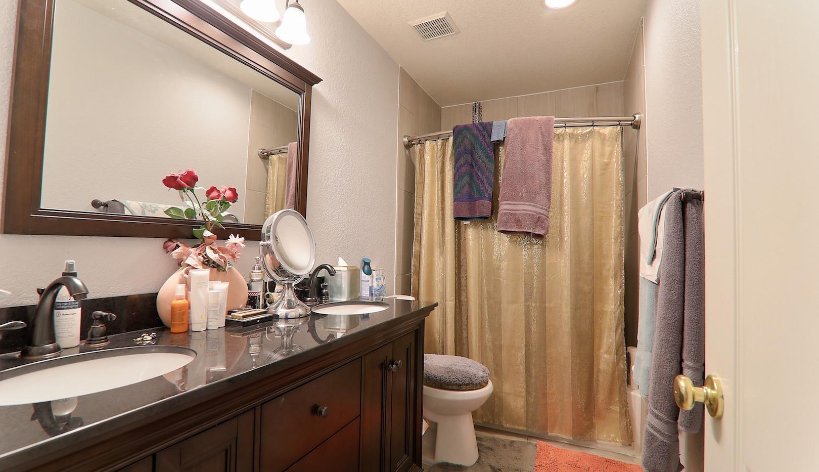jan bathroom.jpg