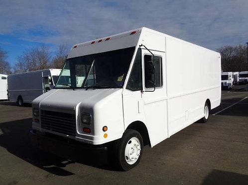 2006 Freightliner MT45 P900 Step Van