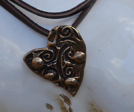 Love Heart (Bronze)