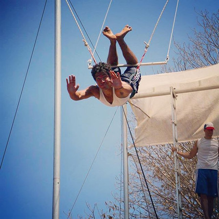 Happy #friday #flying! #flyingtrapeze #t