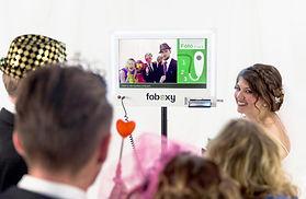 Halten Sie die Augenblicke Ihrer Veranstaltung mit einer Fotobox von Foboxy fest und sichern Sie sich einen 15 Euro Gutschein!