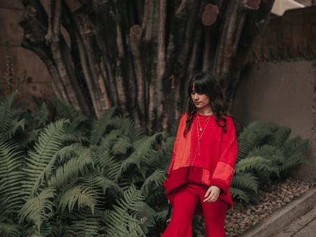Rojo sobre Rojo con más Rojo y otro poquito de Rojo.
