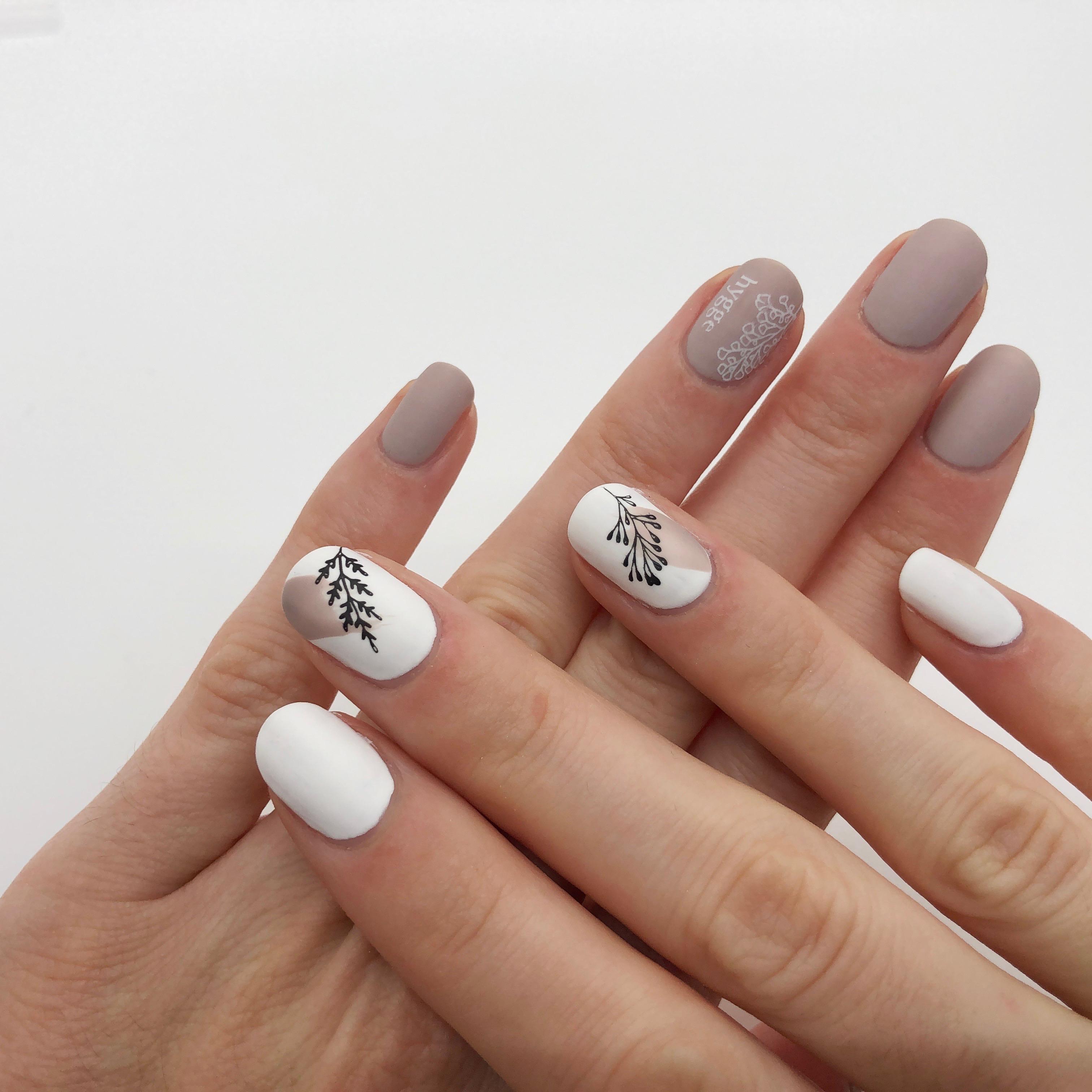 Beige&White