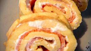 Pfannkuchenrolle mit Lachs