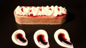 Marronimousse Törtchen mit Birnengelee und Cassis-Sirup