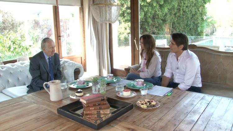 Guillermo Andino y Carolina Prat junto a Bernardo Kliksberg