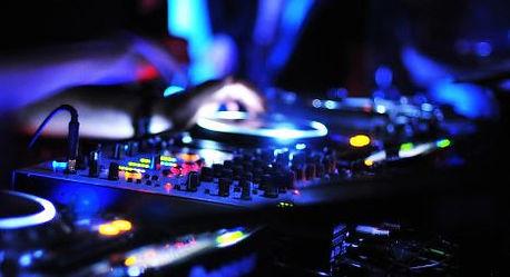 Table de mixage pour animation musicale DJ en soirée et mariage