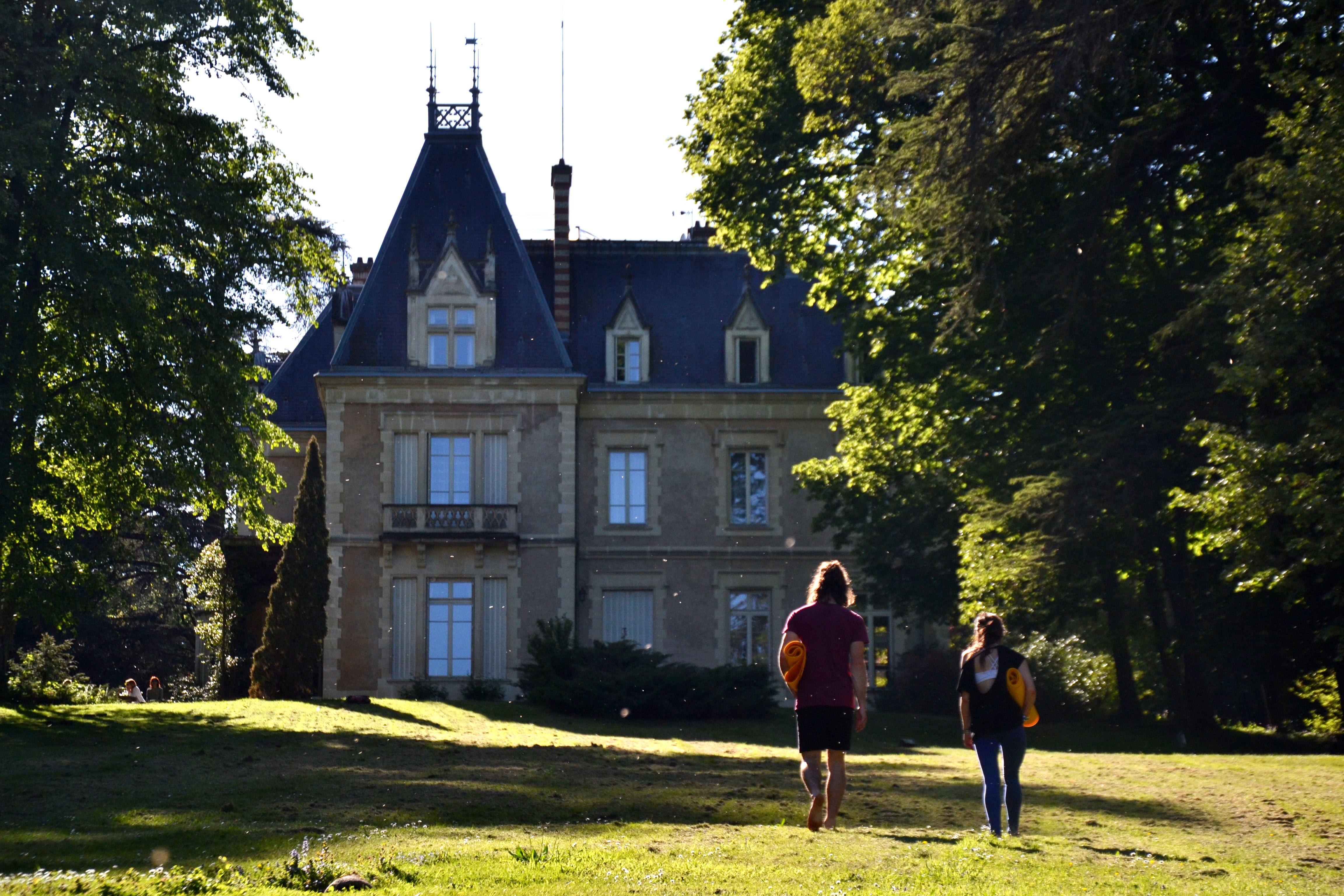 """Yoga Detox en Bourgogne """"le Château"""""""