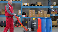 Linde Material Handling and Bin Salim offers Pallet Trucks and other Forklifts