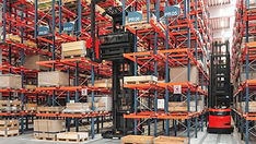 Linde Material Handling and Bin Salim offers Very Narrow Aisle Trucks and other Forklifts