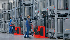 Linde Material Handling and Bin Salim offers Pallet Stackers and other Forklifts