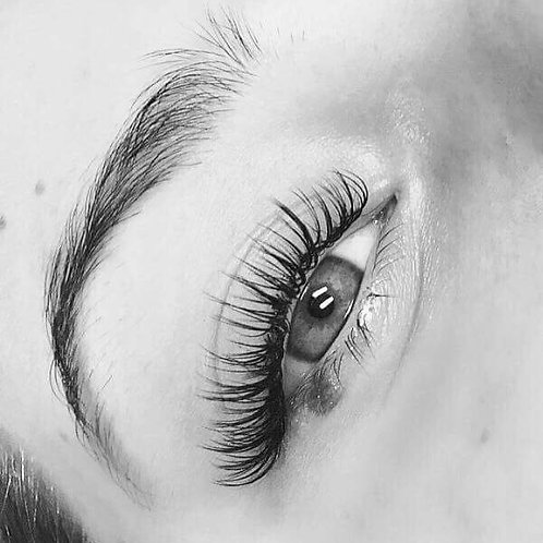 Mid Classic Eyelash extensions
