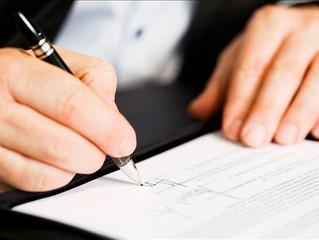 Pessoa que teve assinatura falsificada em contrato social de empresa deve ser indenizada