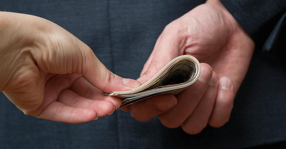 Propina entre empresas privadas, pode? O que fazer diante de um pedido  inesperado de um cliente?