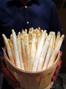 White Asparagus (by Season)