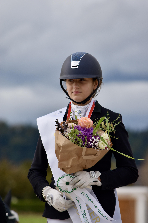 Schweizer Meisterin Pony Dressur