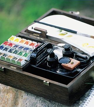 Akvarelové barvy v kufříkové sadě