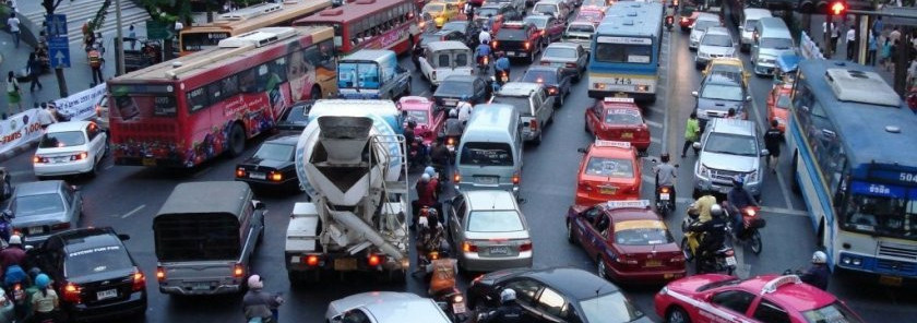 Stossverkehr in Thailands Hauptstadt Bangkok.