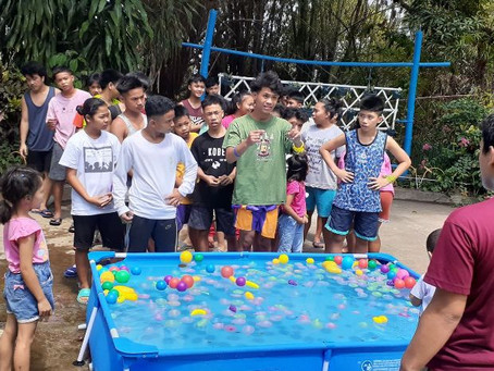 Summer camp in the Philippines