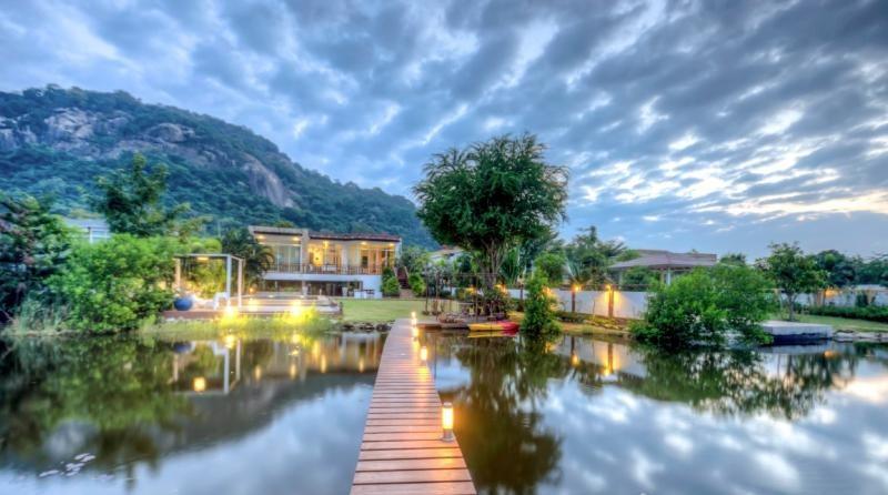 Villa 4 Bedroom ฿ 18,950,000