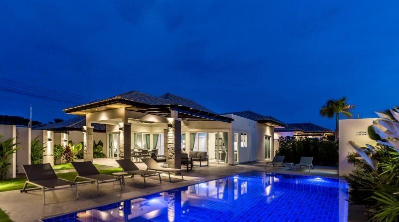 Villa 3 Bedroom ฿ 3,827,860