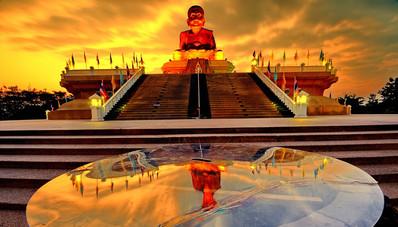 Wat Huay Mongkol