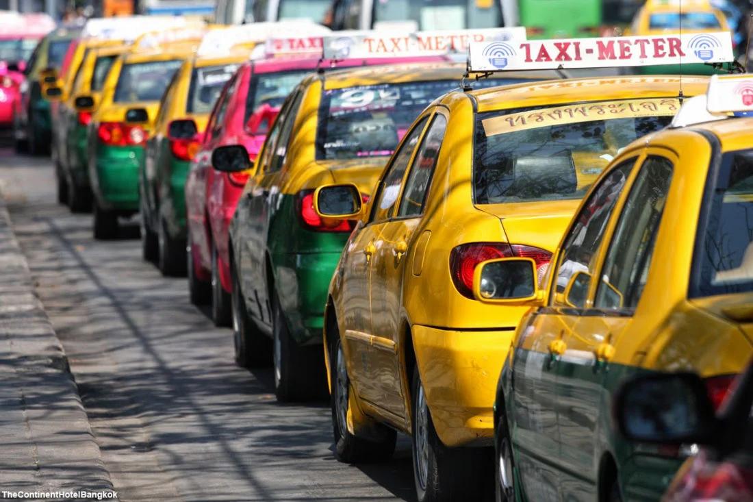 Ein Taxi in Thailand können Sie nie übersehen.