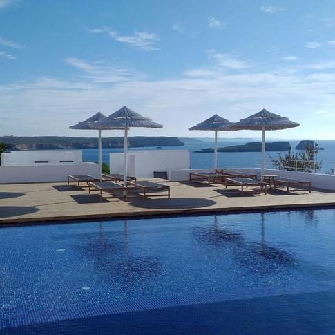 memmo-baleeira-hotel-gallerynew_pool-2-.jpg
