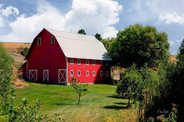 Colfax red barn midday.jpg