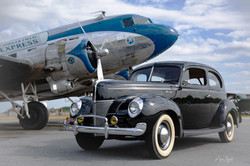 Car WWII 1940 Ford and DC-3