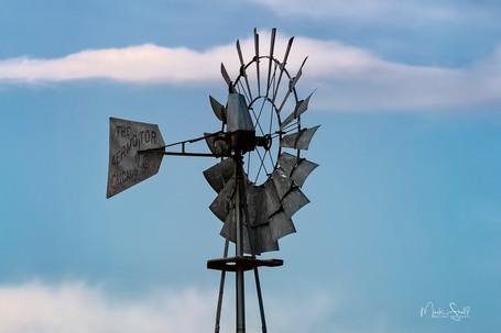 Palouse Windmill zoom.jpg