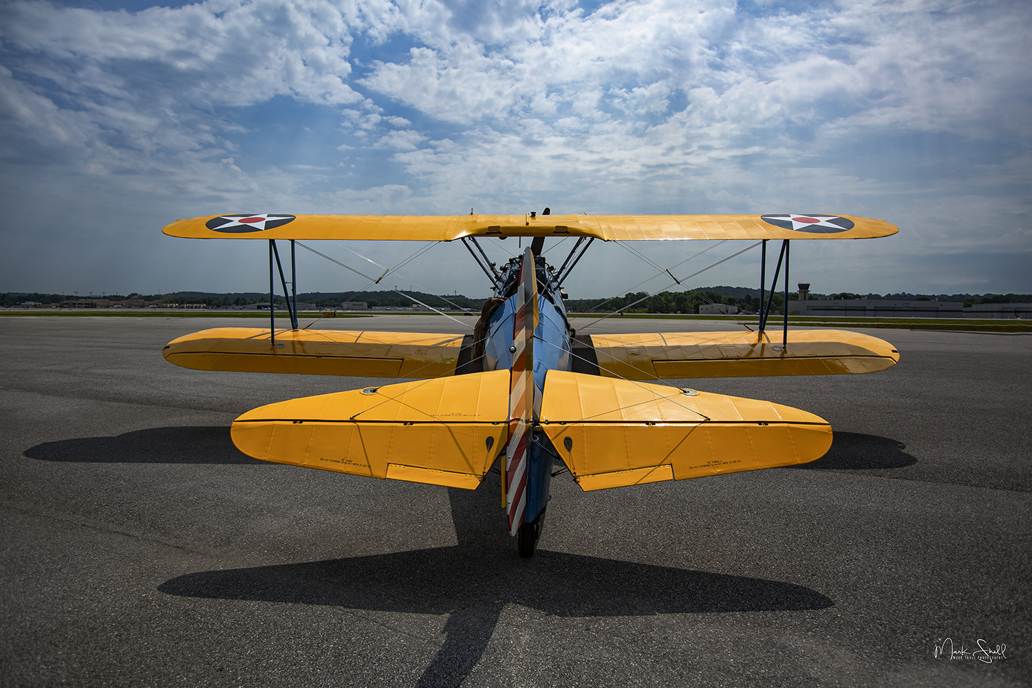 Stearman mid-day sun shadows