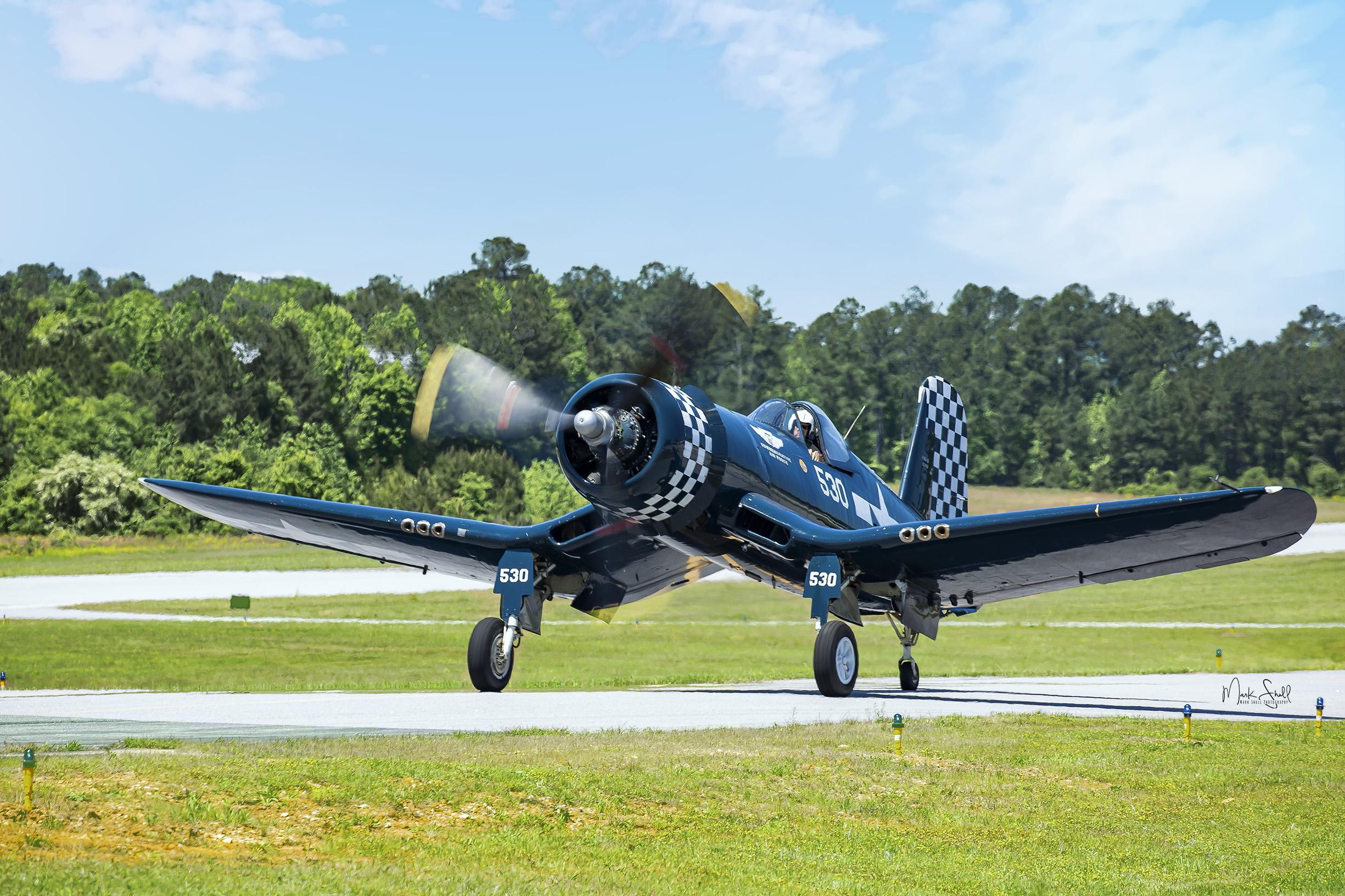 F4U - Corsair landing