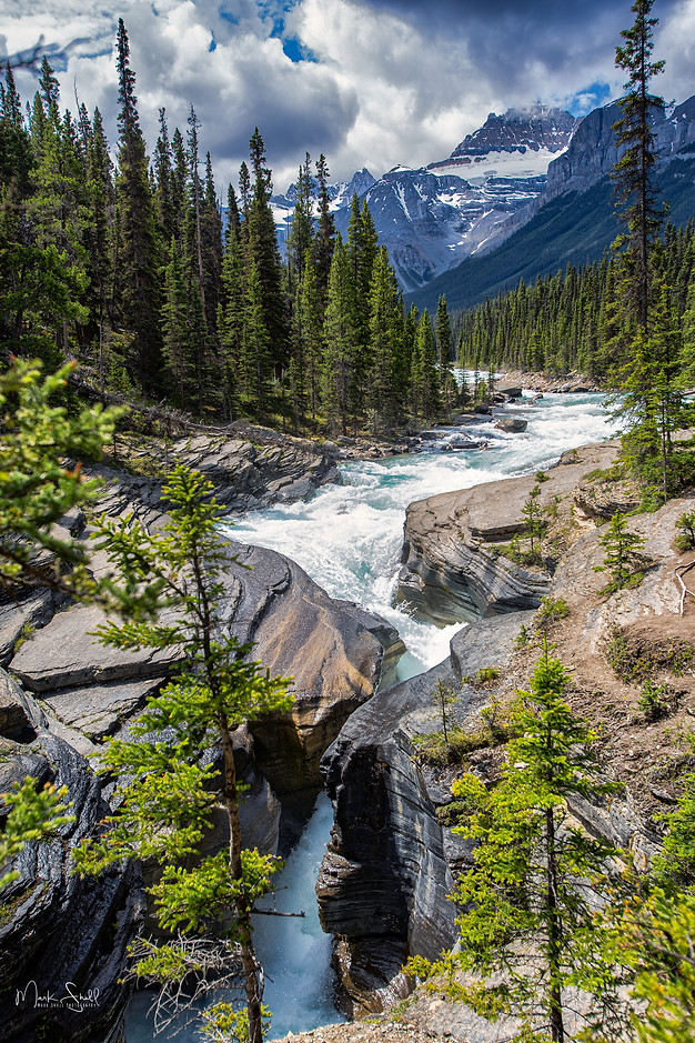 Mistaya Canyon Falls