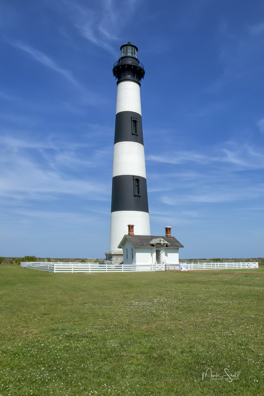 Bodie Island Lighthouse clr w upright post