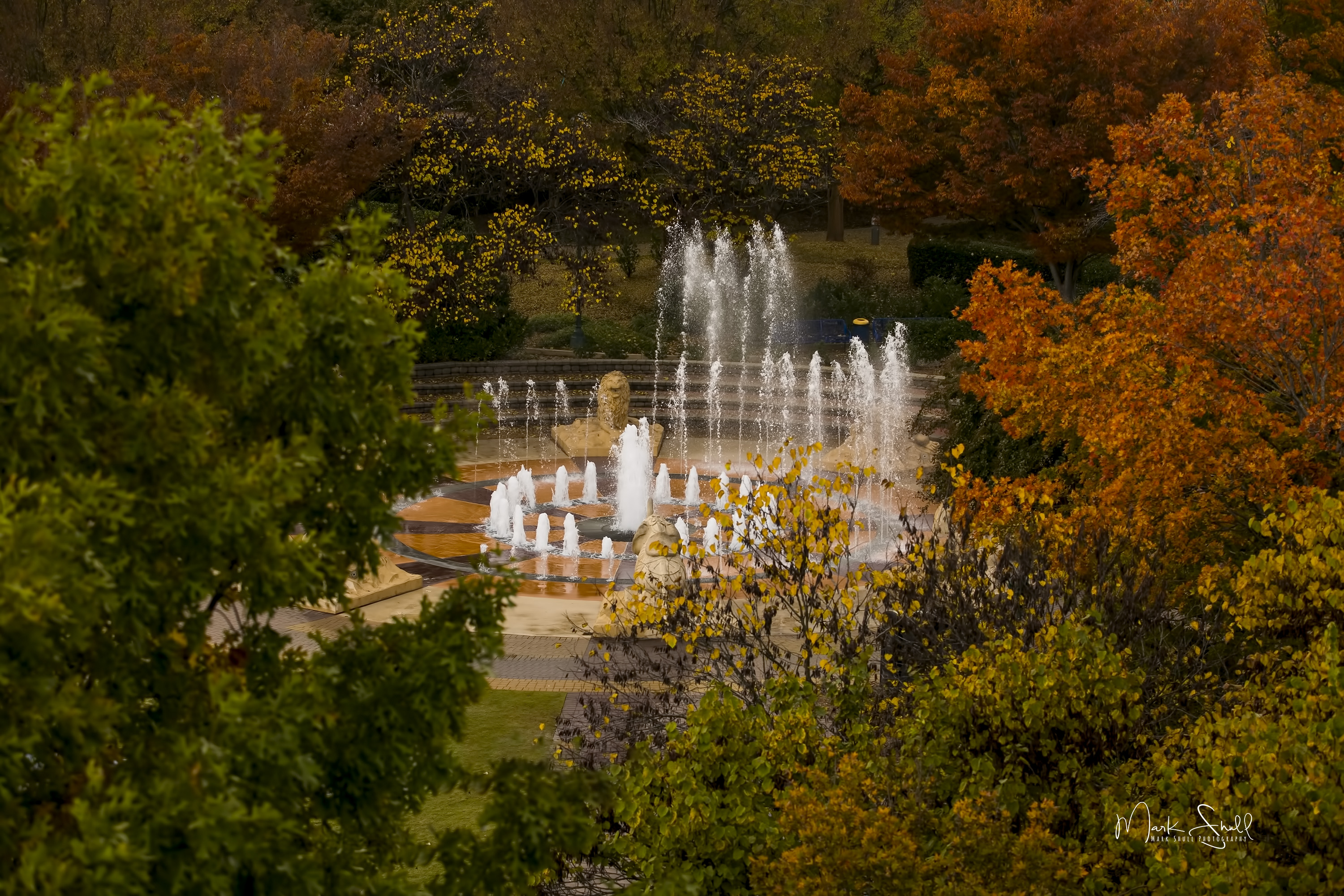 Coolidge Park fountain fall colors