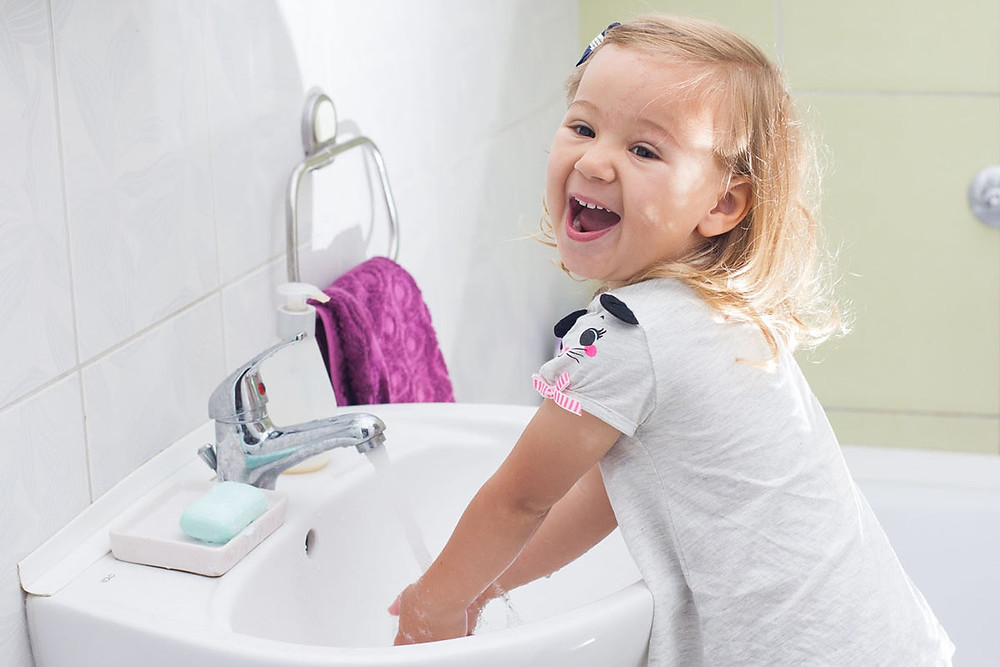 Как приучить ребенка умываться