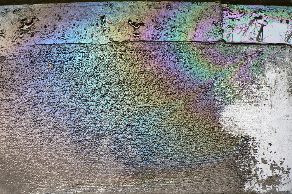 Engine oil rainbow