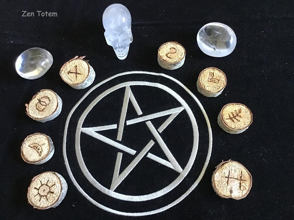 méthodes de tirage et signification des runes des sorcières